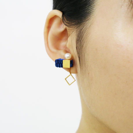Cube / Crip on Earring Blue イヤリング