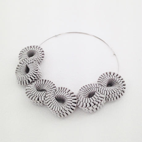 Mobius / Necklace Gray
