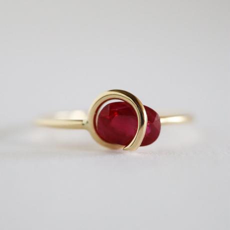 Circle ring / Ruby