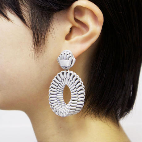 Mobius /  Pierced Earrings    Gray   ピアス