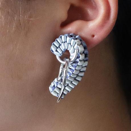 Chienowa / Pierced Earring Ultramarine ピアス(左耳用)