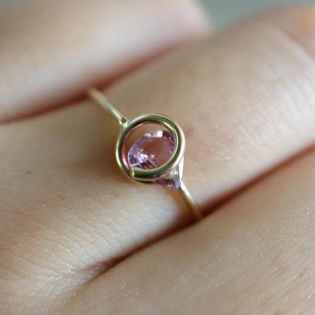 Circle ring / Pink Sapphire