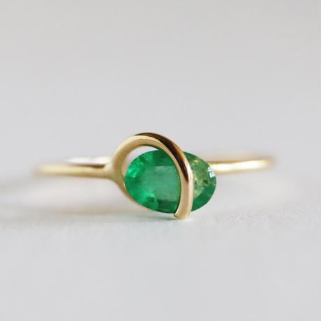 Circle ring / Emerald