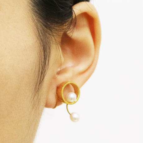 Pendulum / Clip on Earrings Gold イヤリング