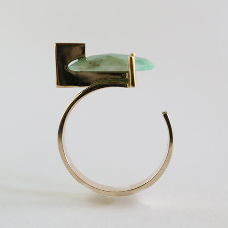 T ring / Emerald