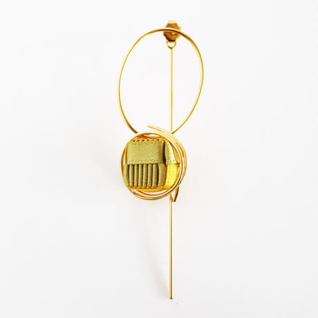 Ripple / Pierced Earring Gold ピアス