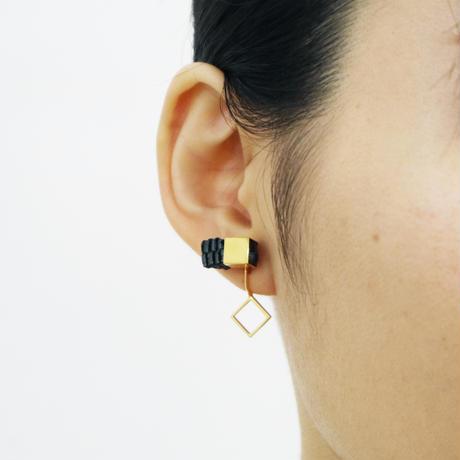 Cube / Crip on Earring Charcoal イヤリング(single)