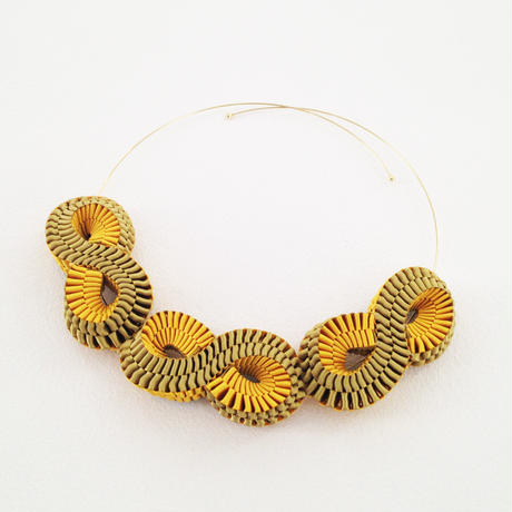 Mobius / Necklace Gold