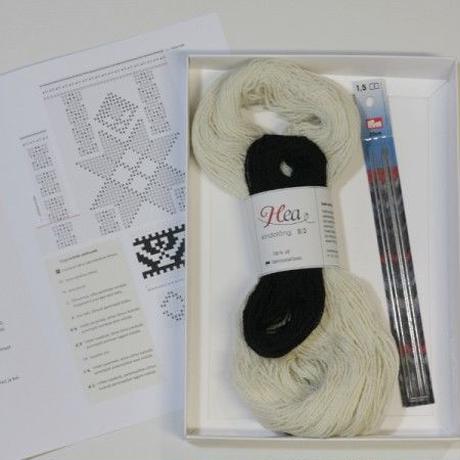 【おうち時間を楽しもう!】エストニアRuhnu島フィンガーレスミッツ手編みキット