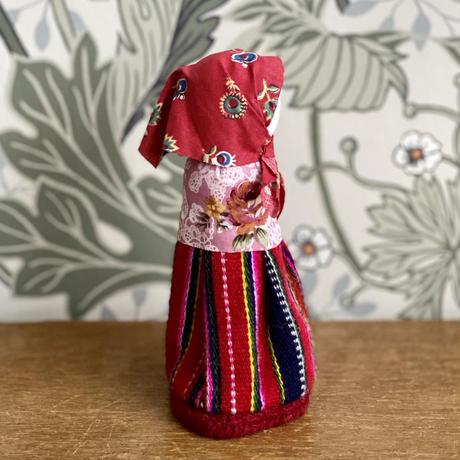 Kihnu島人形*赤いkört