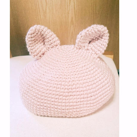 ウサギの耳ベレー帽