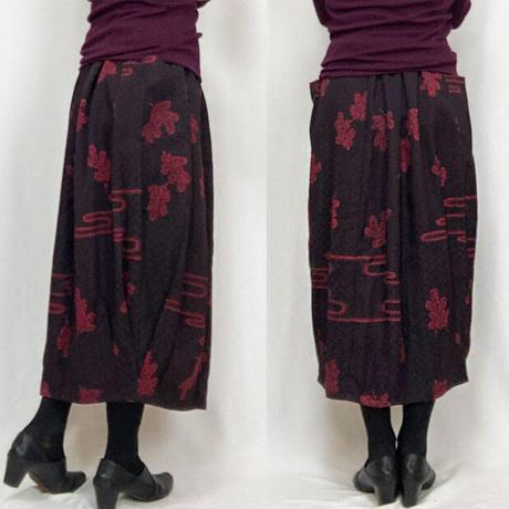 きものリメイクのロングスカート、バルーンスカート、紋意匠ブラウン