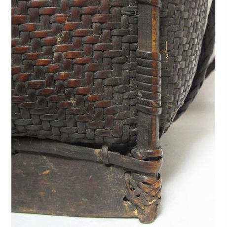 山岳民族の手編み籠 OLD BASCKET