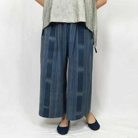 柔らか手織綿のロングワイドパンツ、絣模様、インディゴブルー
