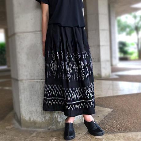83cm丈、手織り上質シルクの絣織スカート、黒、オールシーズン