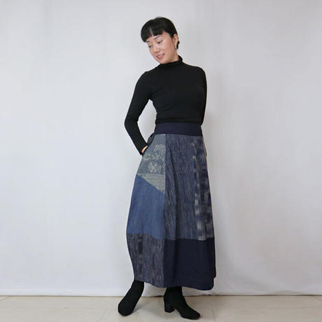 再販☆手織り綿絣、後ろ姿も可愛いパッチワークロングスカート、インディゴミックス、オールシーズン