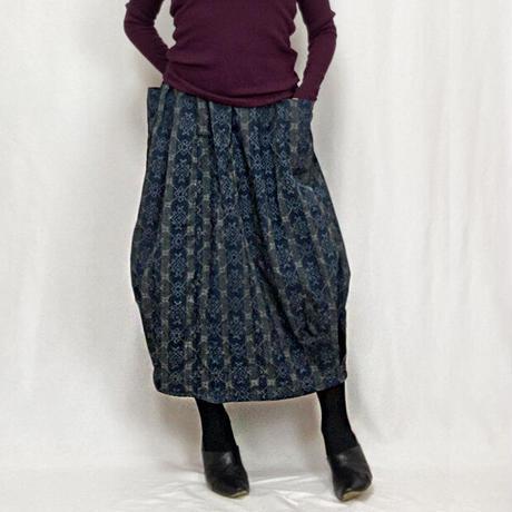 きものリメイクのロングスカート、バルーンスカート、ちりめんストライプ
