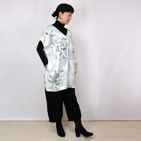 きものリメイク、手描き正絹のV襟チュニック、ゆったりサイズ、オールシーズン