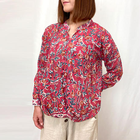 2点限定体型カバー裾ねじりレッドバード長袖ブラウス