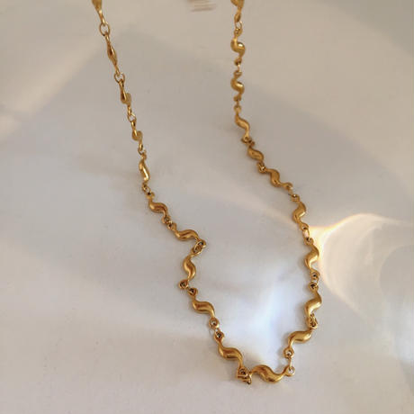 gold wave choker necklace