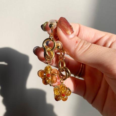 gold ring light brown flower