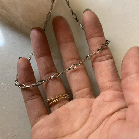 silver rhombus choker necklace