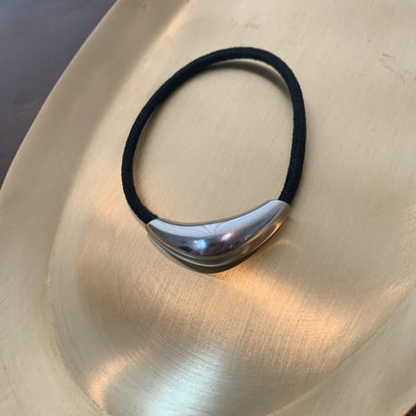 plump metal hair tie