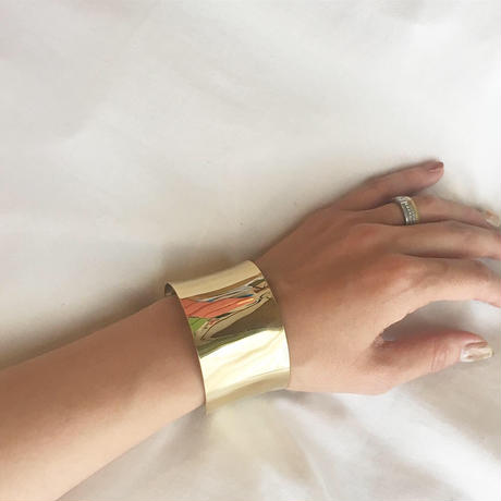 gold wide bangle