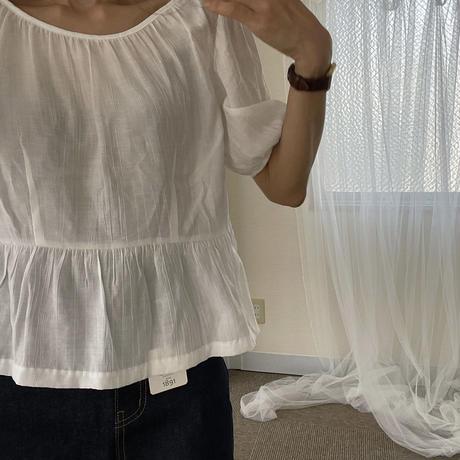 platbase puff blouse(即納)