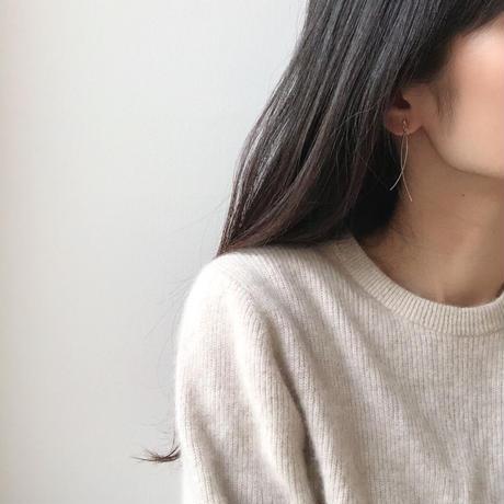 curve swing earrings
