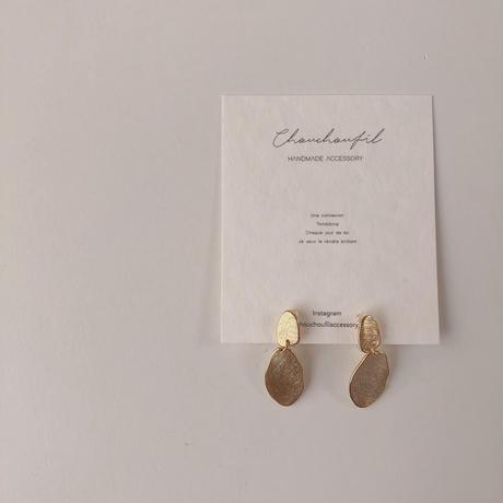 metal oval swing earring