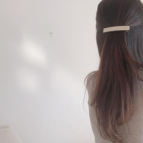 monotone hair barretta