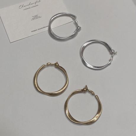 twist metal hoop earrings