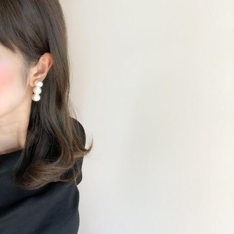 3pearl earring