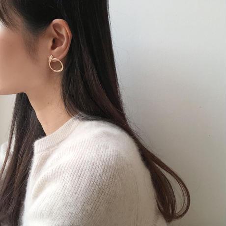 round design earrings