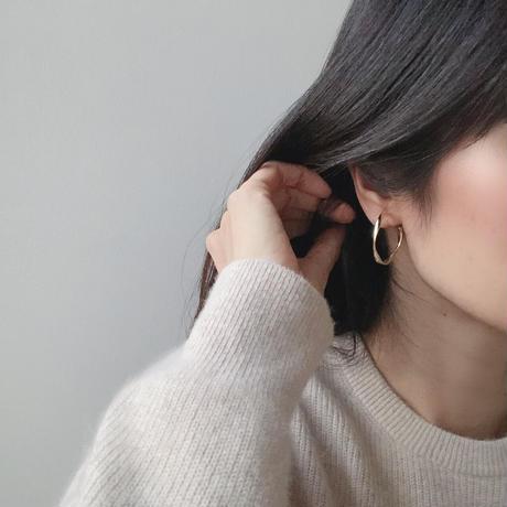 twist wave hoop earring