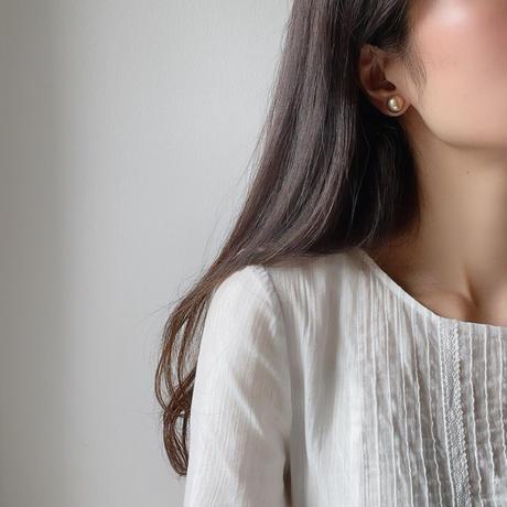 metal point earrings