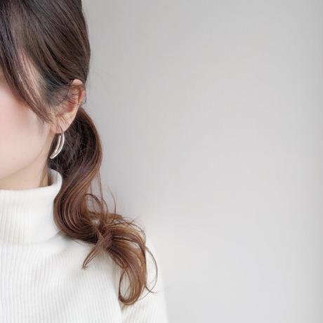 curve hoop earring