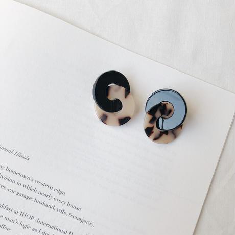 べっ甲柄 W ring earring