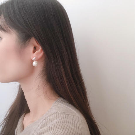 bar&swing pearl earring