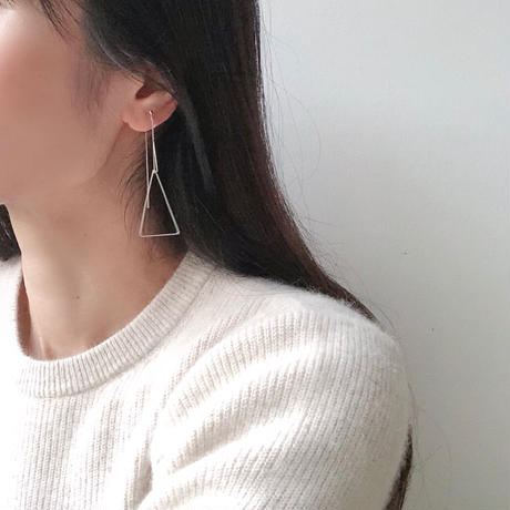 w triangle chain earring