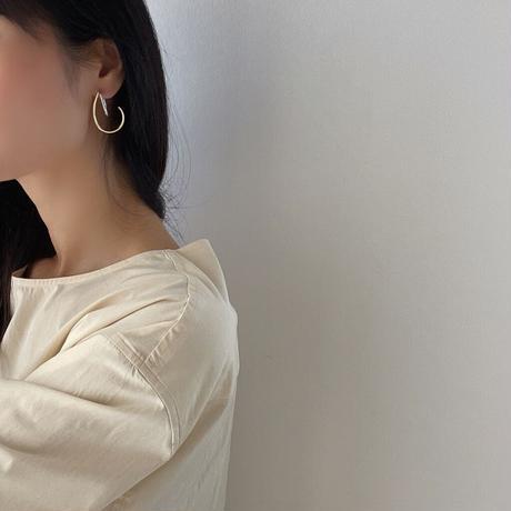 two tone curve earrings