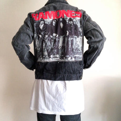 "2000's~ ""RAMONES"" crash black denim jacket"