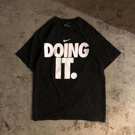 """NIKE ナイキ ブラック """"DOING IT"""" スウォッシュロゴ 半袖Tシャツ / 古着 ビンテージ"""