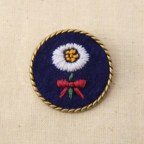 刺繍ブローチ ハルジオン