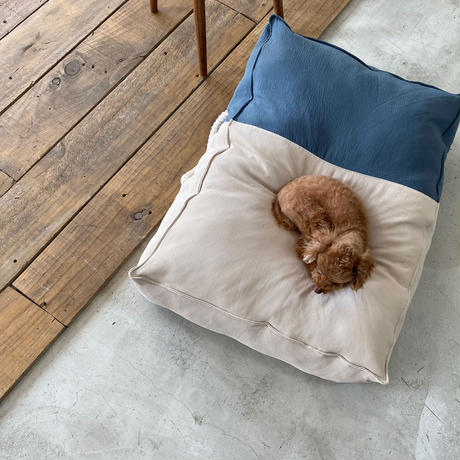 The Standard Cushion Ash Blue_Medium Size