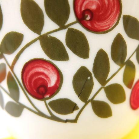 ウプサラ・エクビィ Upsala Ekeby/ゲフレ Gefle 赤い実 ティーカップ&ソーサー