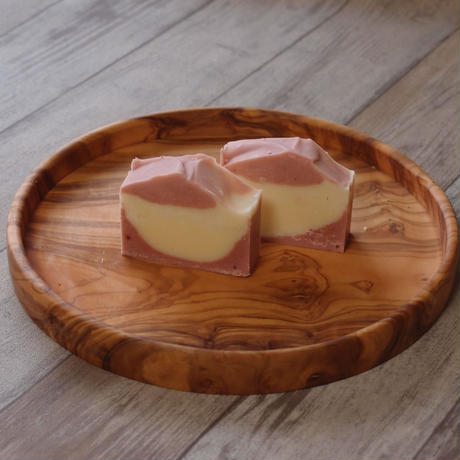 #4 ホホバオイルのアロマ石鹸  (ピンク)