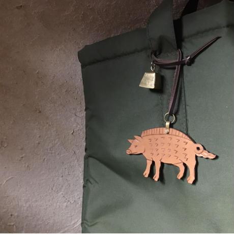 Leather bag charm 〈pig〉