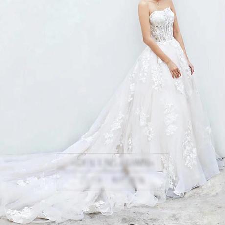 全体にお花付け、美しい、胸元透明感があるウェディングドレス          ドレスワンピース結婚式、発表会、演奏会、パ―ティ